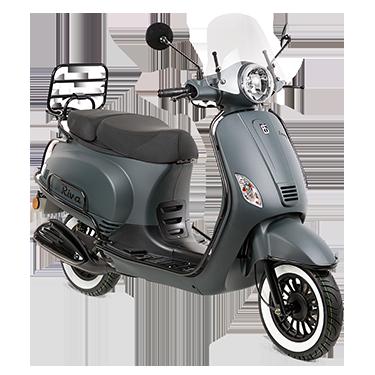 blok-uitgelichte-scooter-riva-voorgrond-uitgekniptgoodformat